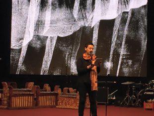 Caca Savic präsentiert den Band »Hochzeit der Messer«