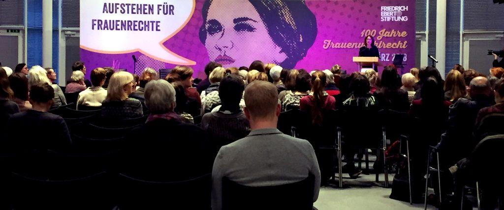 »Aufstehen für Frauenrechte« – 100 Jahre Frauentag in der Friedrich-Ebert-Stiftung Berlin